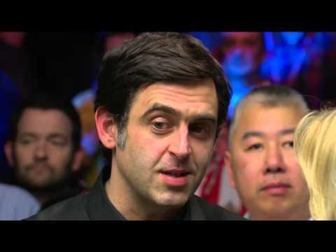 Embedded thumbnail for O'Sullivan így vette át a Mesterek Tornája győzelemért járó trófeát